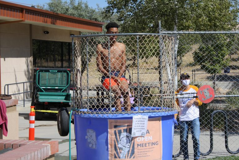 SGA President and Vice President get Dunked!